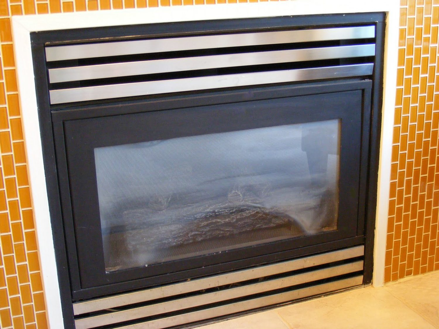gas fireplace repair dirty glass my gas fireplace repair. Black Bedroom Furniture Sets. Home Design Ideas